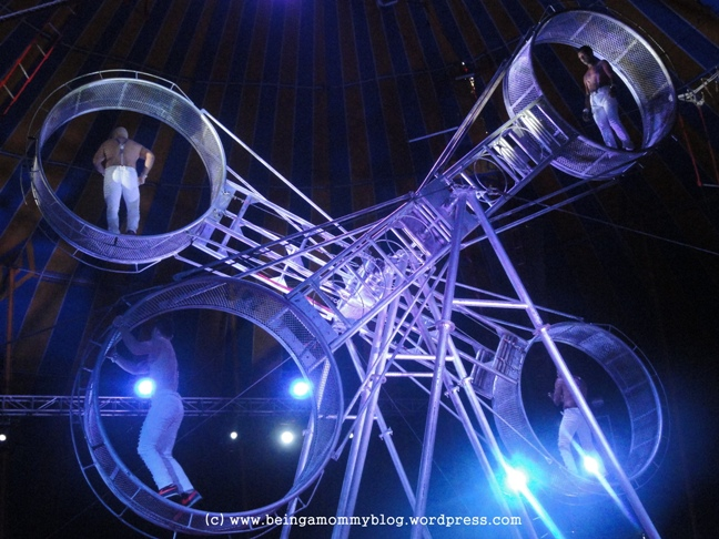 wheel of death _ circus act